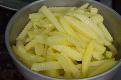 Bí quyết làm khoai tây chiên giòn lâu mà không ngấm mỡ! 14