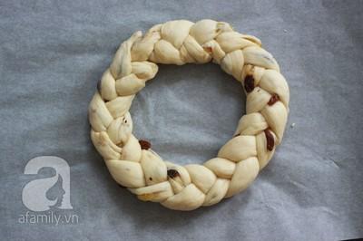 Bánh mỳ vòng nguyệt quế mềm thơm cho Noel thêm vui 21