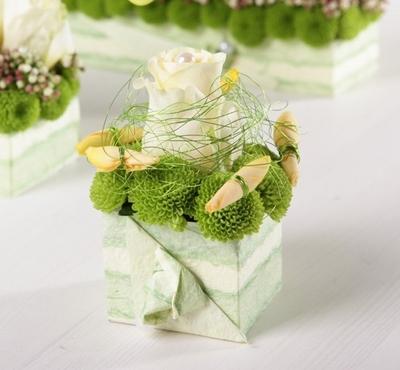 2 cách cắm hoa bàn tiệc nhanh mà trang nhã tinh tế 14