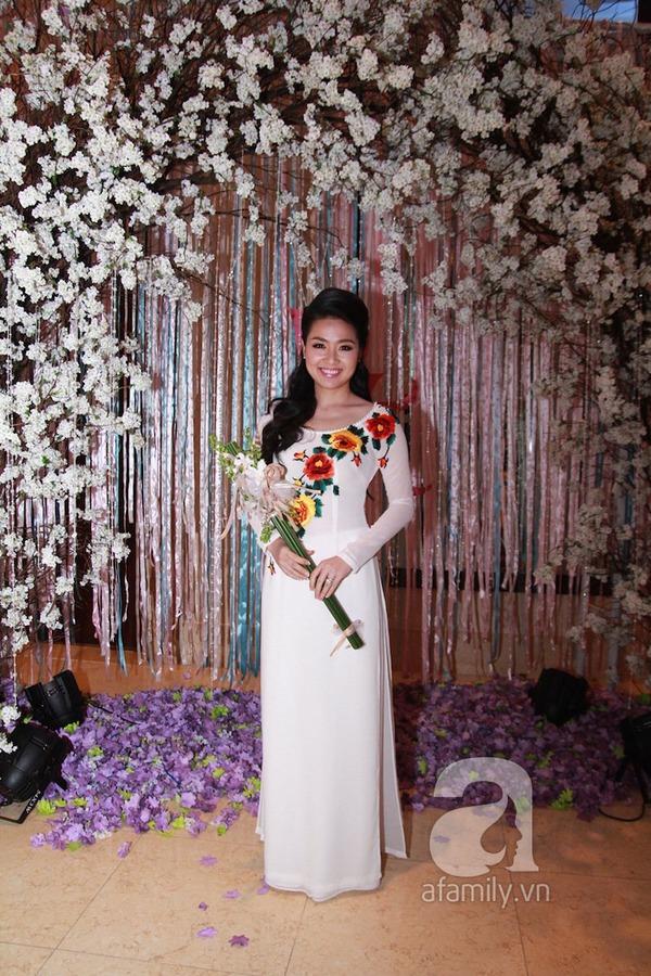 Lê Khánh - Tuấn Khải tình tứ trước giờ làm lễ cưới chính thức 5