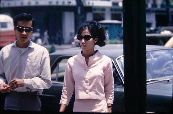 Chùm ảnh cuộc sống phóng khoáng của phụ nữ Sài Gòn những năm 60 12