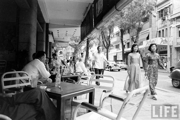 Chùm ảnh cuộc sống phóng khoáng của phụ nữ Sài Gòn những năm 60 10