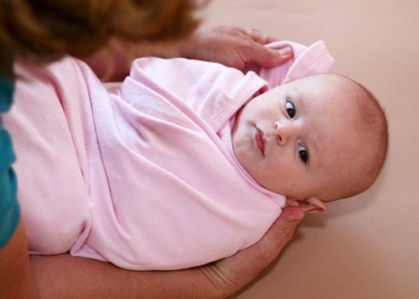 Những điều cấm kị khi chăm sóc trẻ sơ sinh