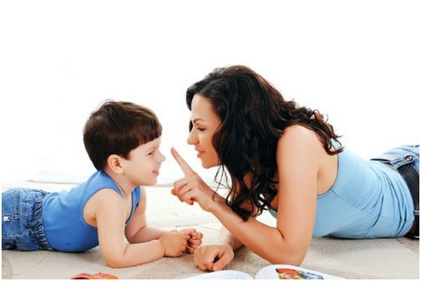 5 lỗi các bậc cha mẹ thường mắc khi khen ngợi con