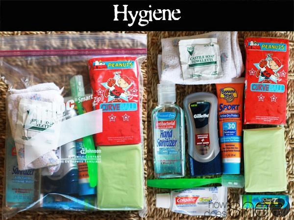 Học mẹ Tây chuẩn bị túi đồ khẩn cấp cho con khi đến trường
