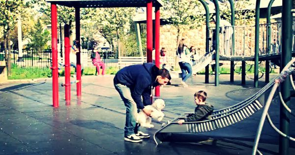 Dạy con cách hành xử khi gặp người lạ