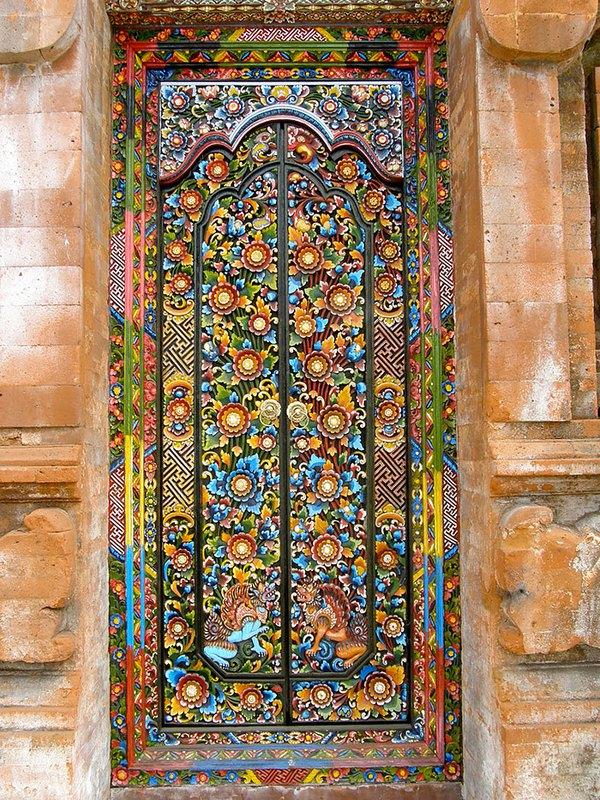 Những cánh cửa nhà ngập tràn màu sắc trên thế giới 13