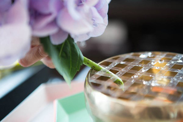 Cách trang trí và giữ hoa tươi lâu 6