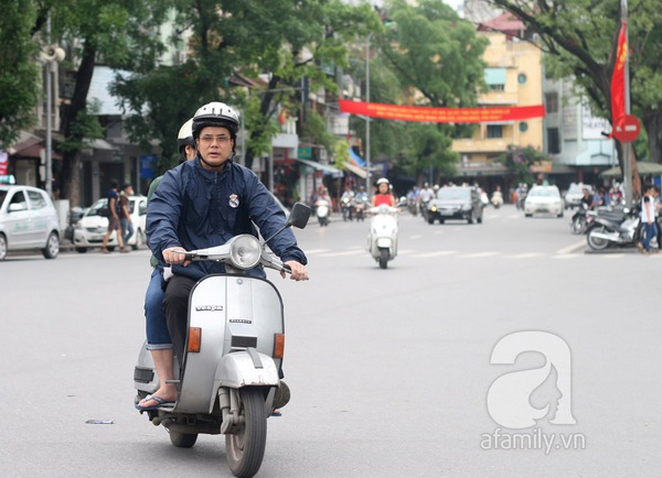 Hà Nội lạnh đột ngột: Kẻ mặc áo cộc, người khoác áo bông 5