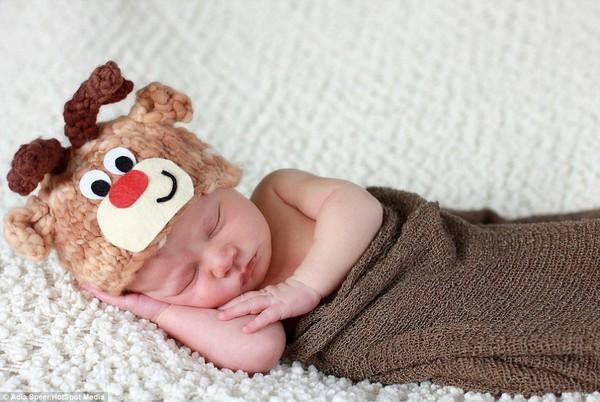 Ngây ngất với chùm ảnh bé sơ sinh trong trang phục Noel 4