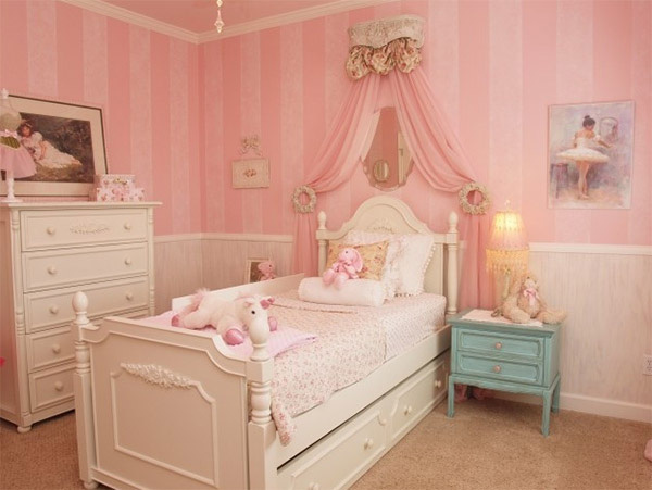 Mẫu phòng ngủ màu hồng đẹp như cổ tích cho bé gái 9