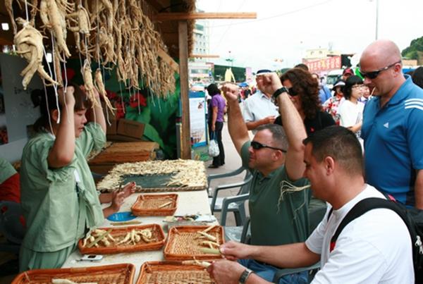 Khám phá những điều đặc biệt của chợ sâm lớn nhất thế giới 11