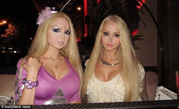 """Búp bê sống người Nga có """"chị em sinh đôi"""" 2"""