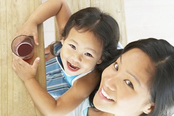 Trẻ hay uống nước ngọt dễ bị 7 loại bệnh 1
