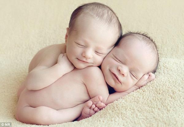 Ngắm không chớp mắt hình ảnh những em bé ngủ bên len 8
