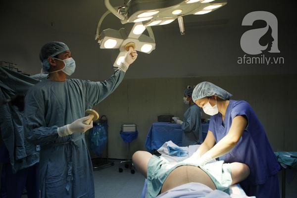 Tận mắt chứng kiến một ca sinh mổ của mẹ Việt 18