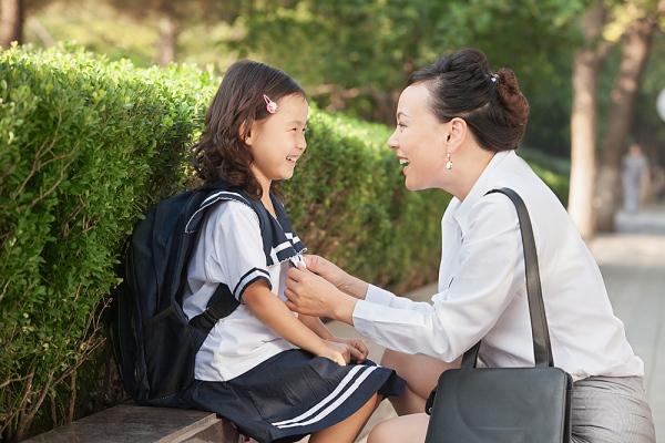 4 sai lầm trong lời ăn tiếng nói của cha mẹ 2