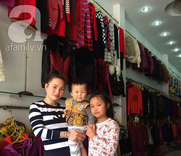 Các mẹ chia sẻ bí quyết sắm quần áo Tết đẹp và rẻ cho con  1