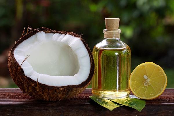 10 lợi ích tuyệt vời của dầu dừa với mẹ và bé 2