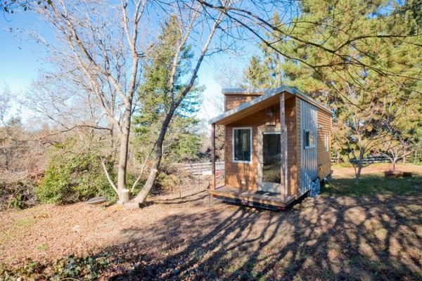 Thích thú với căn nhà 14,4m² bằng gỗ siêu tiện nghi 1