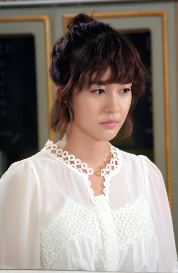 """Sung Yu Ri làm """"lọ lem"""" trên màn ảnh Việt 8"""