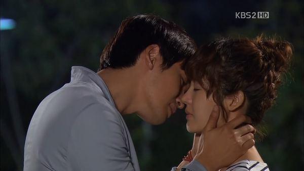 """Sung Yu Ri làm """"lọ lem"""" trên màn ảnh Việt 4"""