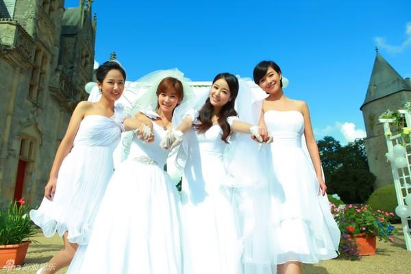 Lâm Tâm Như xinh lung linh trong đám cưới tập thể 6