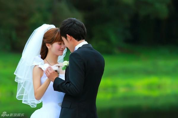 Lâm Tâm Như xinh lung linh trong đám cưới tập thể 12