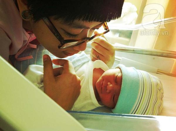 Clip siêu yêu của ông bố Việt làm tặng con mới chào đời 4
