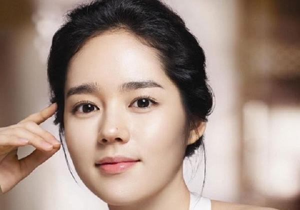 Vợ mới của Lee Byung Hun có chiếc mũi đẹp nhất xứ Hàn 2