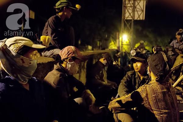 """Bãi rác 4.000 tấn ở Nam Sơn: """"Cánh đồng bội thu"""" của những người khốn khổ 1"""