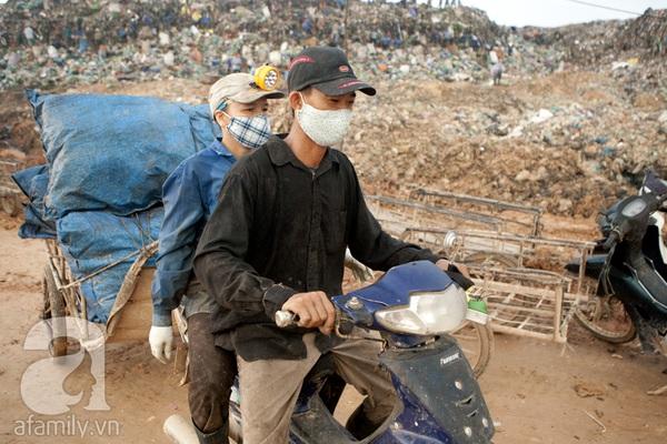"""Bãi rác 4.000 tấn ở Nam Sơn: """"Cánh đồng bội thu"""" của những người khốn khổ 19"""