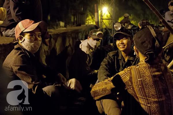 """Bãi rác 4.000 tấn ở Nam Sơn: """"Cánh đồng bội thu"""" của những người khốn khổ 2"""