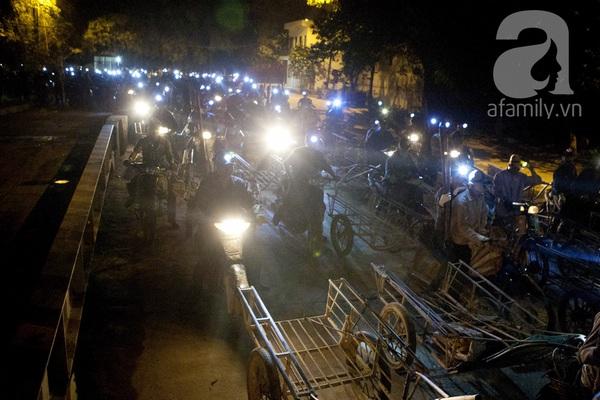 """Bãi rác 4.000 tấn ở Nam Sơn: """"Cánh đồng bội thu"""" của những người khốn khổ 5"""