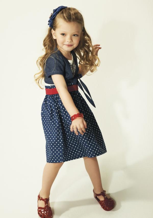 Mẫu nhí 5 tuổi tự thiết kế BST thời trang 6