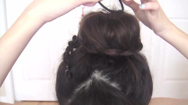 Tự thực hiện 3 kiểu tóc duyên dáng và gọn gàng tới công sở 31