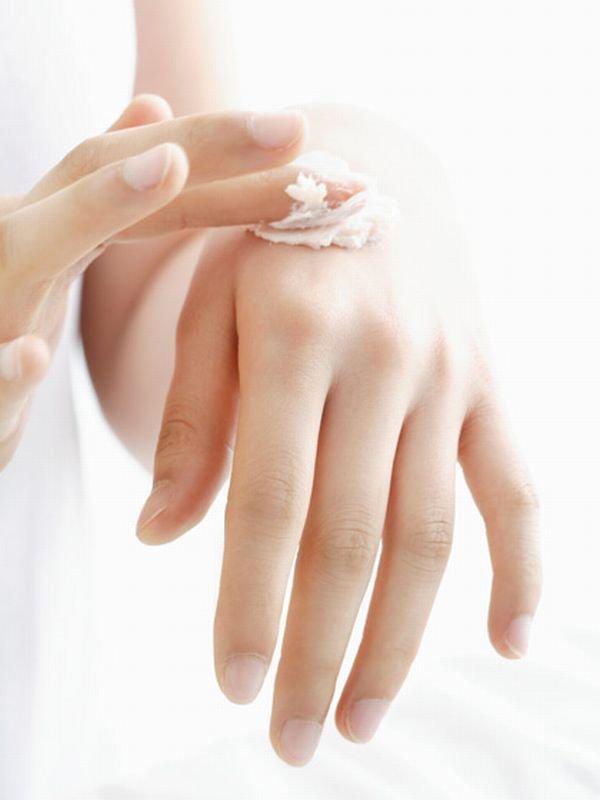 Bí quyết giúp da tay trắng sáng ngày hè 2