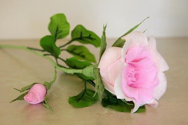 Làm hoa hồng giấy đẹp như hoa thật 12