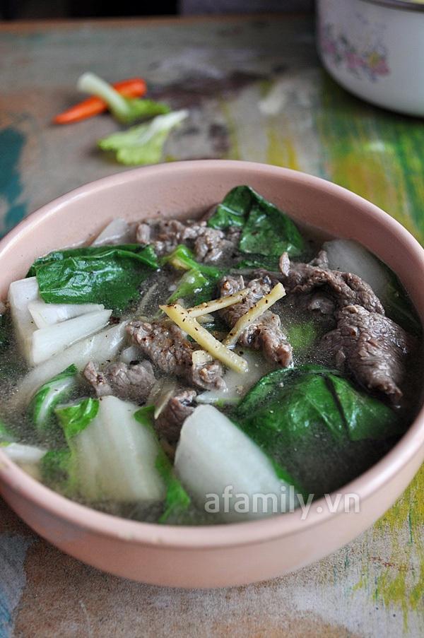 Canh rau cải thịt bò thơm lừng nóng hổi 12