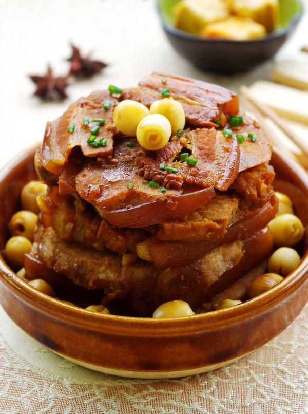 Thịt hấp hạt sen lạ miệng ngon cơm 1