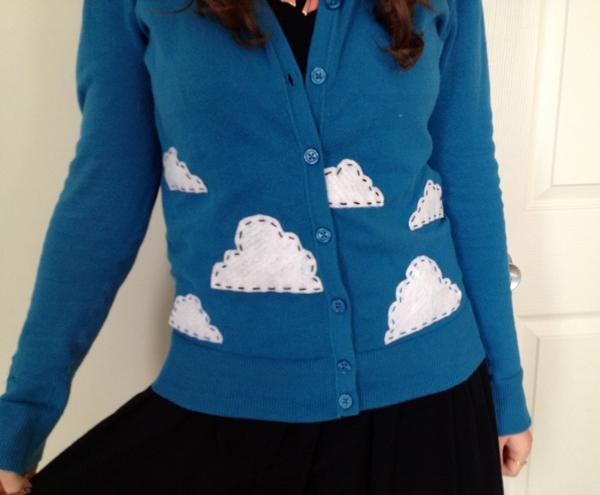 3 bước đơn giản trang trí áo len dễ thương 7
