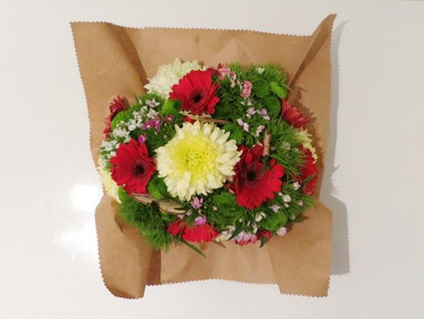 Cắm hoa đơn giản tinh tế làm đẹp không gian nhà bạn 8