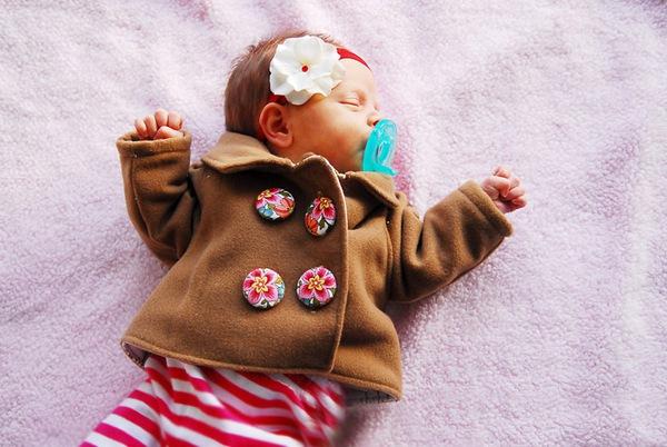May áo khoác dạ ấm mà đẹp cho bé yêu 11