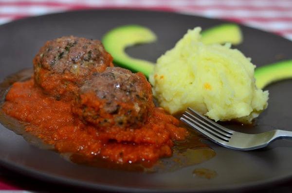 Món ngon cuối tuần: Thịt bò viên nướng xốt cà 1