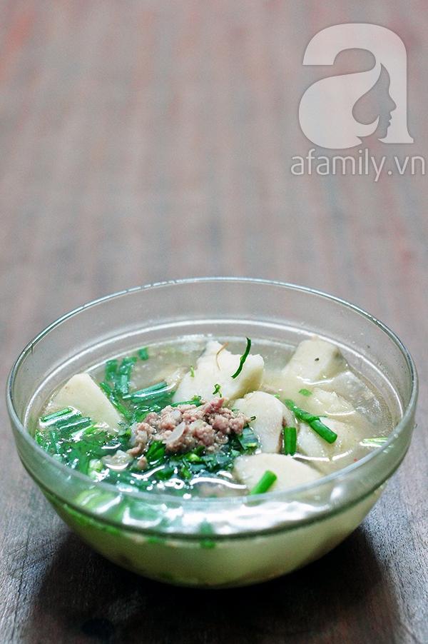 Canh khoai sọ nấu thịt băm giản dị ngon cơm 9