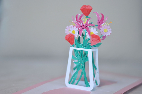 Làm thiệp 3D bình hoa tươi khoe sắc 9