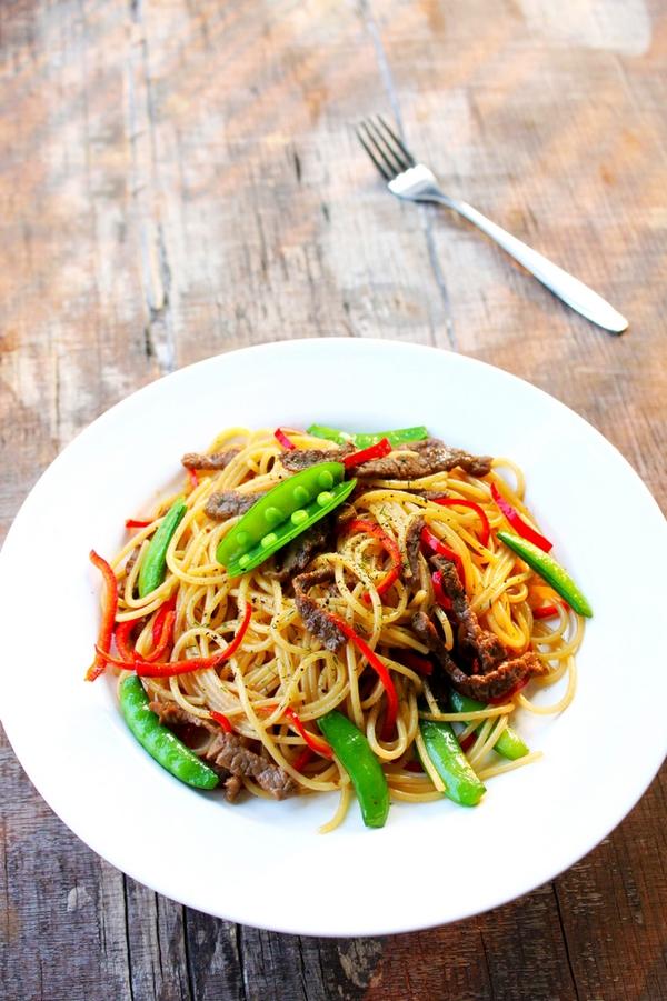 Mỳ spaghetti xào thịt bò làm nhanh ăn ngon mà đủ chất 1