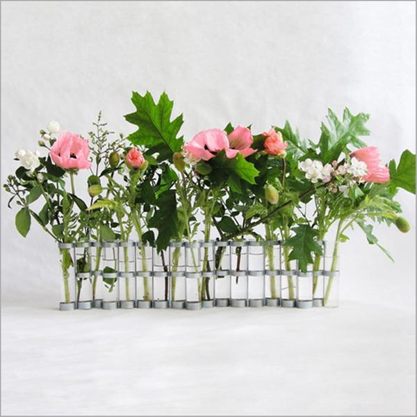 Biến ly thủy tinh thành bình cắm hoa độc đáo 8