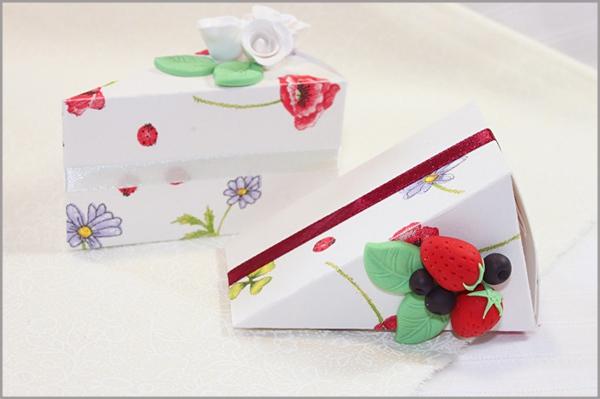 3 bước đơn giản gấp hộp quà hình bánh gato xinh xắn 7