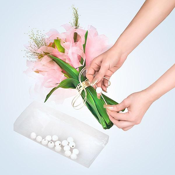 Cách bó hoa đẹp và dễ dàng cùng giấy gói hoa cách điệu 13